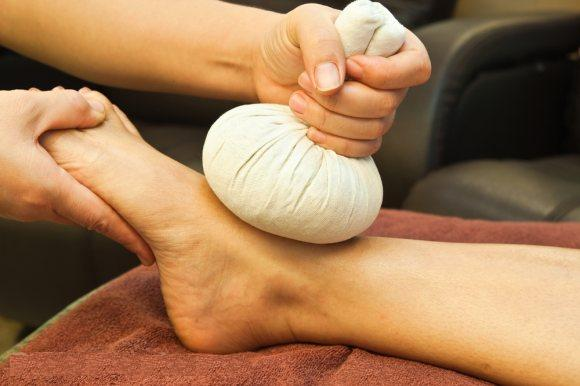 Foot Massage with Herb Bun-image
